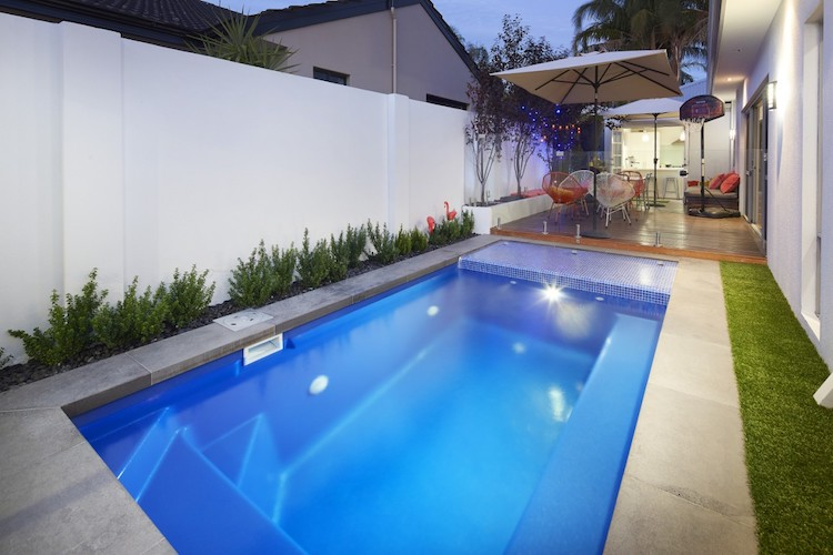 4.2mx1.6m-billabong-slimline-plunge-pool-2